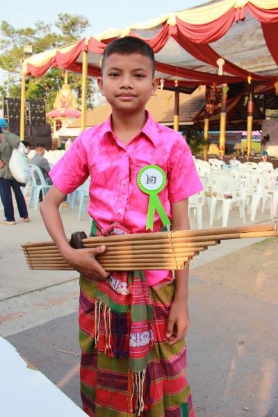 เด็กชายภานุวัฒน์ ศรีชุม ผู้เข้าประกวดเดี่ยวแคน ประเภทเยาวชน